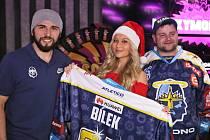 Vánoční dražba dresů Rytířů Kladno se povedla, zúčastnily se všechny hvězdy Rytířů - i Jaromír Jágr.
