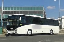 Šestnáctiletý mladík odcizil v Brně autobus a několikrát s ním podnikl cestu z Brna na Kladensko a zpět. Přitom stačil i nabourat.
