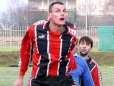 Lhotecký zadák Čurda se chystá na důležitý souboj svému týmu na hřišti Slavoje Kladno.