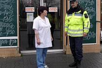 Zkušený strážník Jan Litva má jako okrskář na starosti oblast Podprůhonu a Ostrovce.
