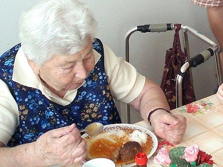 Senioři švermovského domova důchodců se zřejmě dočkají nových výtahů. Zařízení doplácí na to, že nemůže přijímat více seniorů v horším zdravotním stavu.