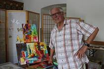 František Moravec maluje nejraději abstraktní krajinu.