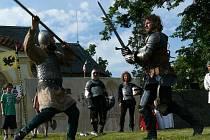 Lidé v Bělči zhlédnou šermířské souboje. Nebudou chybět ani středověké tance.