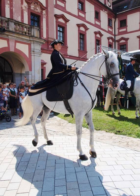 Myslivci z Unhoště na Národních mysliveckých slavnostech v zámku Ohrada.