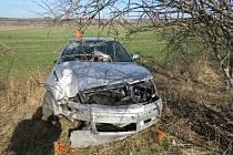 Dvaašedesátiletý řidič nezvládl řízení na namrzlé vozovce, navíc byl po vlivem alkoholu.