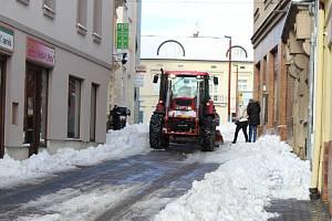 Sníh v ulicích Kladna - pondělí 4. 2.
