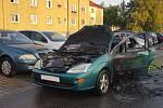 Auto v Kladně začalo hořet za jízdy.