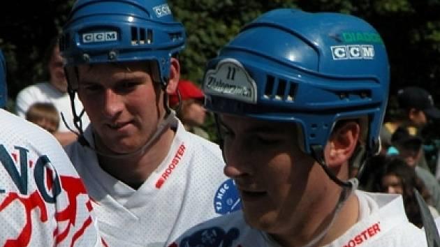 Radek Honický (vpravo) si na MS zahraje poprvé v kariéře.