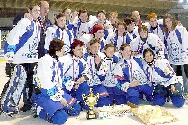 HC 2001 Kladno, vicemistryně ČR.