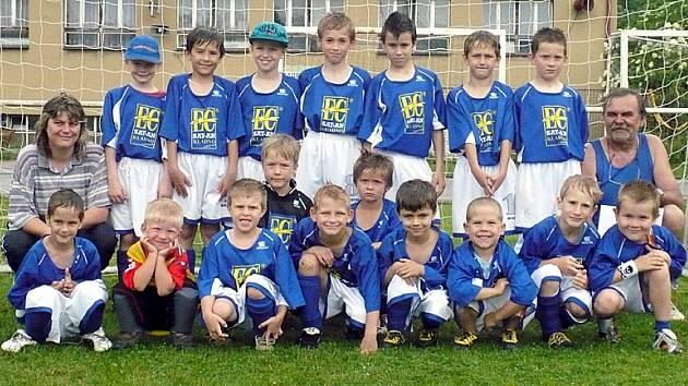 Rodinným stříbrem švermovského fotbalu je mladší přípravka, vítěz okresní soutěže.