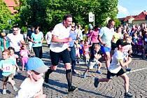 KRÁLOVSKÉ MĚSTO SLANÝ bylo hostitelem bronzového Olympijského běhu pořádaného telefonním operátorem.