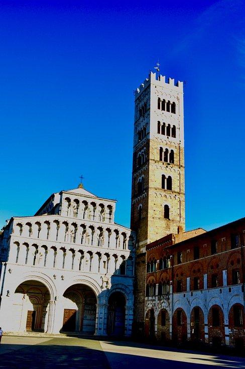 Jarní pohled na italskou Luccu.