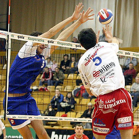 Také ve třetím letošním vzájemném souboji s Kladnem byli hráči Liberce úspěšnější. Obhájili tím primát v Českém poháru.