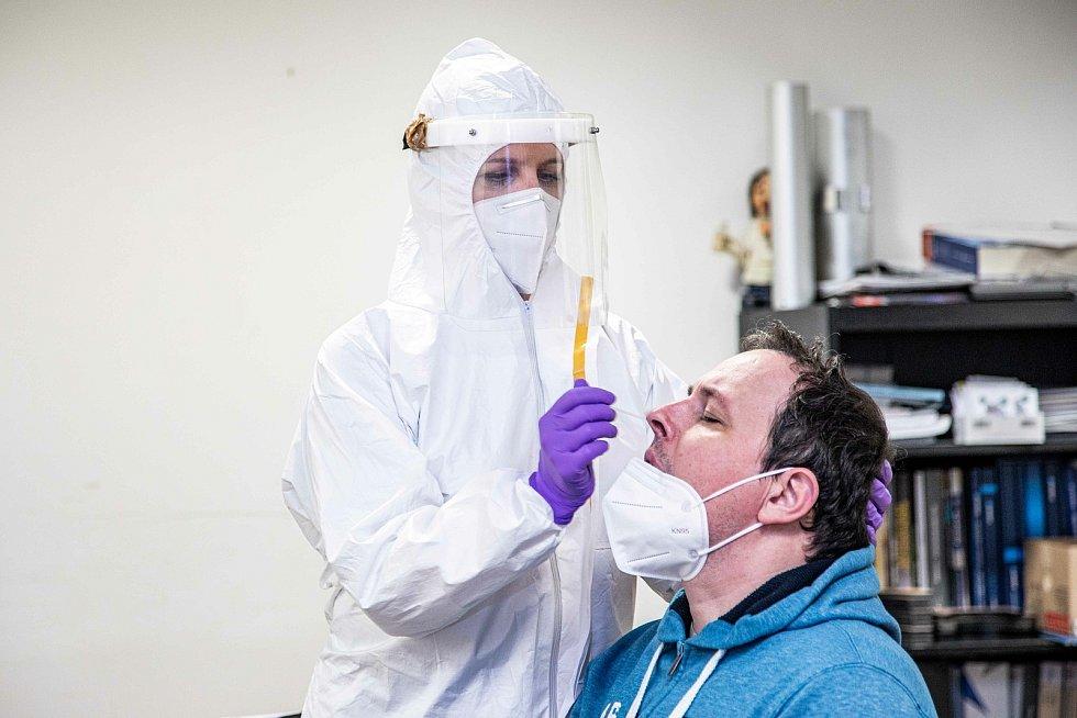Ve slánském Linetu testují zaměstnance od ledna 2021.