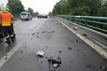 Tři šoféři zažili na dálnici ze Slaného do Prahy ve čtvrtek drama. Kvůli olejovité skvrně na vozovce se vybourali, někteří zranili a škoda je přes milion korun.