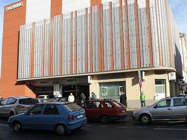 Parkovací dům ve Slaném