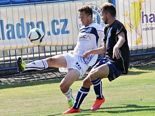 SK Kladno (v bílém) porazilo doma Louny 3:0.