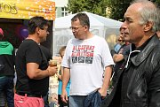 Sponzor Karel Svoboda (vlevo). Bez mobilních toalet firmy TOI-TOI by okruh také nebyl možný.