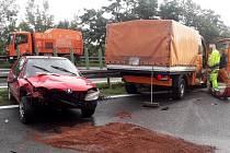 Nehoda se stala na dálnici u Velké Dobré ve směru na Prahu.