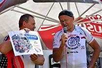 Na den dětí podpořili cyklisté v Družci i ty nemocné.