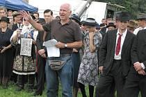 Režisér Petr Nikolaev v plné prácí.