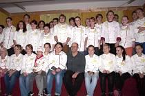 Zdeněk Pohlreich mezi slánskými žáky integrované školy