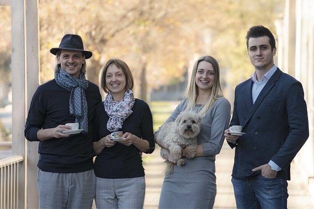 Rodinná firma Ňam Ňam. Zleva: Radek Březina, Martina Březinová, Anna Březinová a Michal Březina.