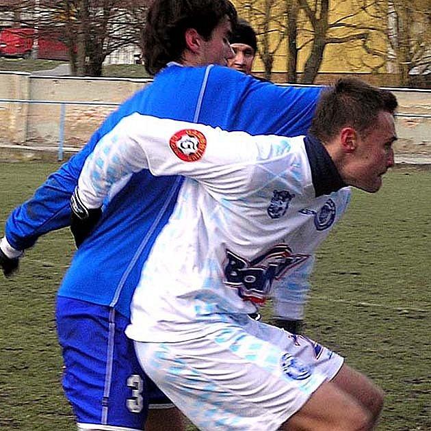 Karel Kroupa (v bílém) zvyšoval na 4:1.