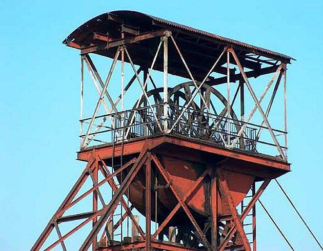 Těžní věž dolu Mayrau.