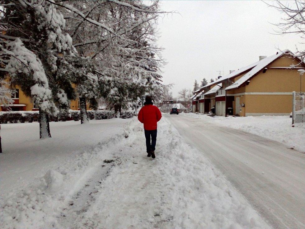 Únorový sníh na Slánsku.