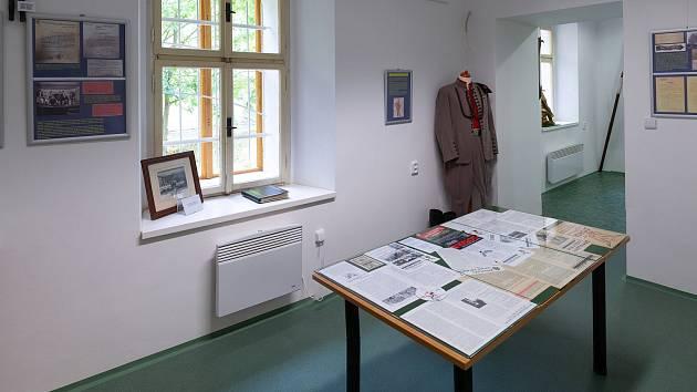Výstava Sokolské století je k vidění ve Stochově.
