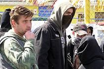 V sobotu budou Kladnem pochodovat nacionalisté, v neděli alternativní mladáž proti fašismu a rasismu (na snímku).