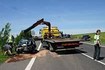 Nehoda na silnici I/7, cca 200 metrů za sjezdem na Hořešovice ve směru Slaný - Louny, úterý 24. května 2011