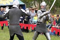 Řinčení zbraní, kejklířské, žonglérské a divadelní umění, to vše bude k vidění na Budči.