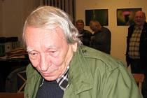 Oslavy devadesátin kladenského trampingu a hokeje v zámecké galerii. Miki Ryvola