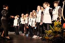 V Zámecké zahradě Kladenského zámku se představí žáci i pedagogové základní umělecké školy.