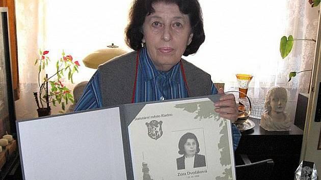 Doktorka Zora Dvořáková na snímku z roku 2009 kdy obdržela Cenu města Kladna.