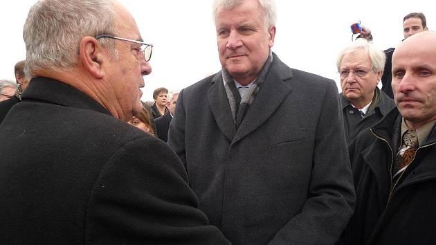Bavorský premiér navštívil Lidice