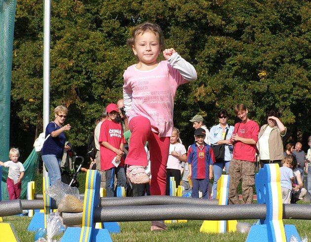 Atletika pro děti na kladenském Sletišti.
