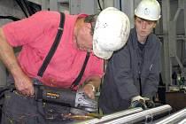 Mzdy vyšší o pět procent by v případě očekávaného podpisu kolektivní smlouvy měli v letošním roce pobírat například zaměstnanci společnosti Poldi Hütte.