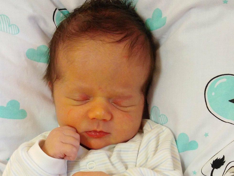 Štěpán Kopecký přišel na svět 9. ledna 2021 v 19. 09 hodin v čáslavské porodnici. Pyšnil se porodní váhou 3670 gramů a délkou 52 centimetrů. Domů do Tunochod si ho odvezli maminka Inka a tatínek Jiří.