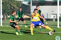 Hostouň (ve žlutém) - Lubná nečekaně 2:3 po penaltovém rozstřelu.