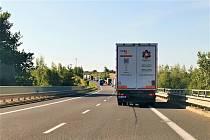 Rychlostní silnici u Slaného opravují, řidiči musí počítat se zdržením.