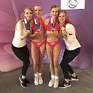 Sport Academy Kladno: bronzové duo Eliška Růžková a Tereza Filipovská s trenérkami Jindřiškou (vlevo) a Klárou Proškovými