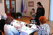 V Družci byla volební místnost zřízena v budově místního obecního úřadu.