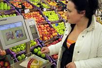 Reportérka Deníku Jana Nováková pečlivě převažovala všechny druhy zboží, u kterých se vyskytl sebemenší váhový rozdíl. Test deníku jsme provedli v Kauflandu a Bille v  Kladně.