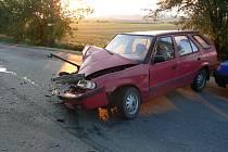 Dopravní nehoda osobního a nákladního vozidla byla ohlášena včera 20. září 2012 krátce před sedmou hodinou ranní nedaleko Třebusic u Kladna.