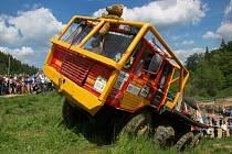 Přijeďte se podívat na truck trialové závody do Černuce!