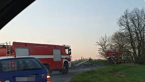 Požár meze mezi Slaným a Studeněvsí.