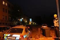 Domy ve Smetáčkově ulici ve Slaném jsou obehnány policejní páskou.